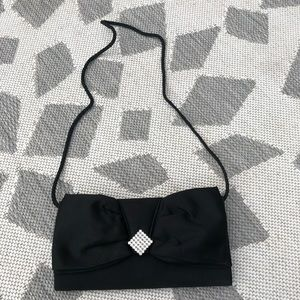 Handbags - Adorable bow designed black clutch